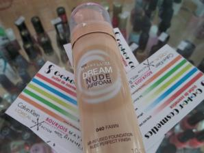 Fond de ten Maybelline Dream Nude Airfoam Foundation - Fawn