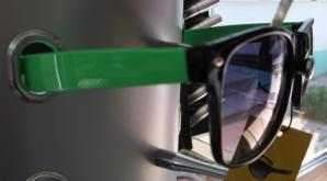 Ochelari de soare cu rama colorata - verde