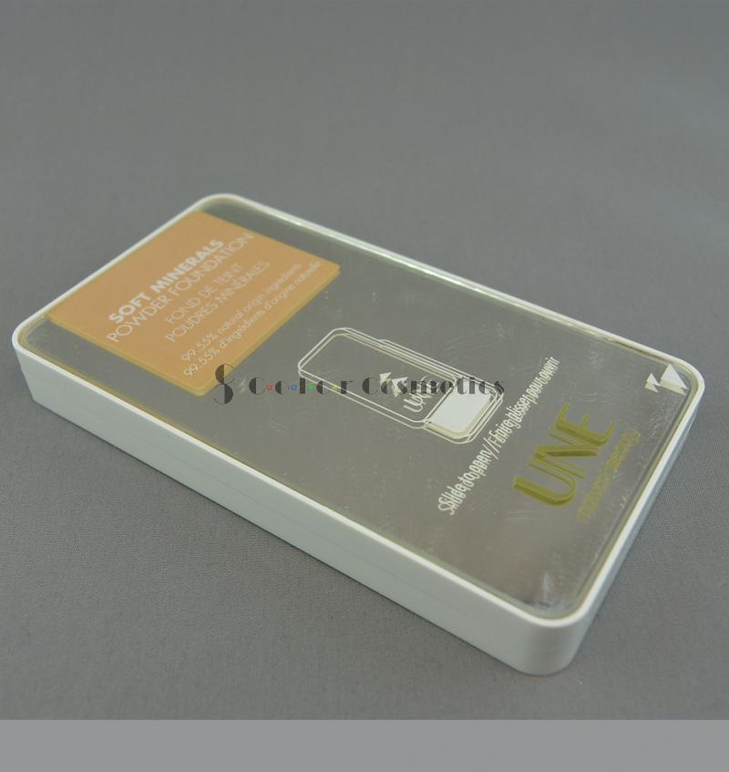Fond de ten compact mineral UNE Soft Minerals Powder Foundation - M07