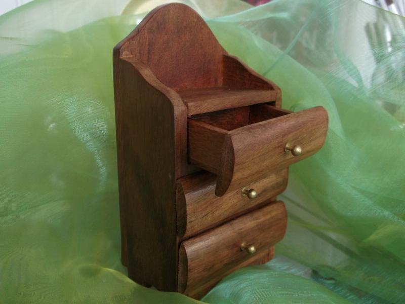 Caseta bijuterii lemn cu sertare